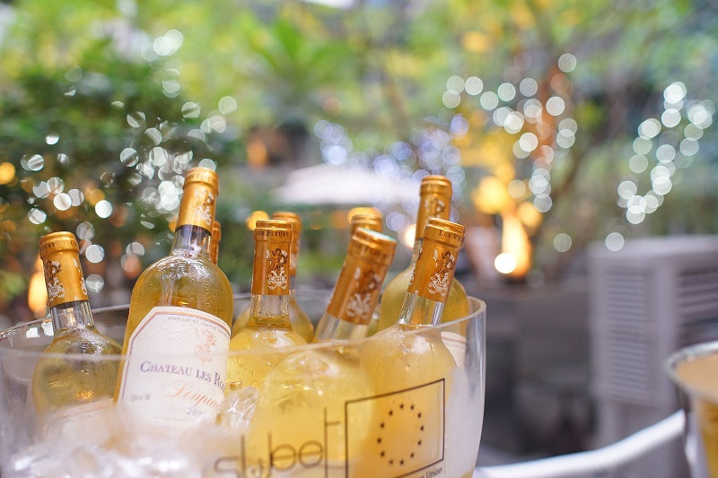 sweet bordeaux wine seduces hong kong people consulat g n ral de france hong kong et macao. Black Bedroom Furniture Sets. Home Design Ideas