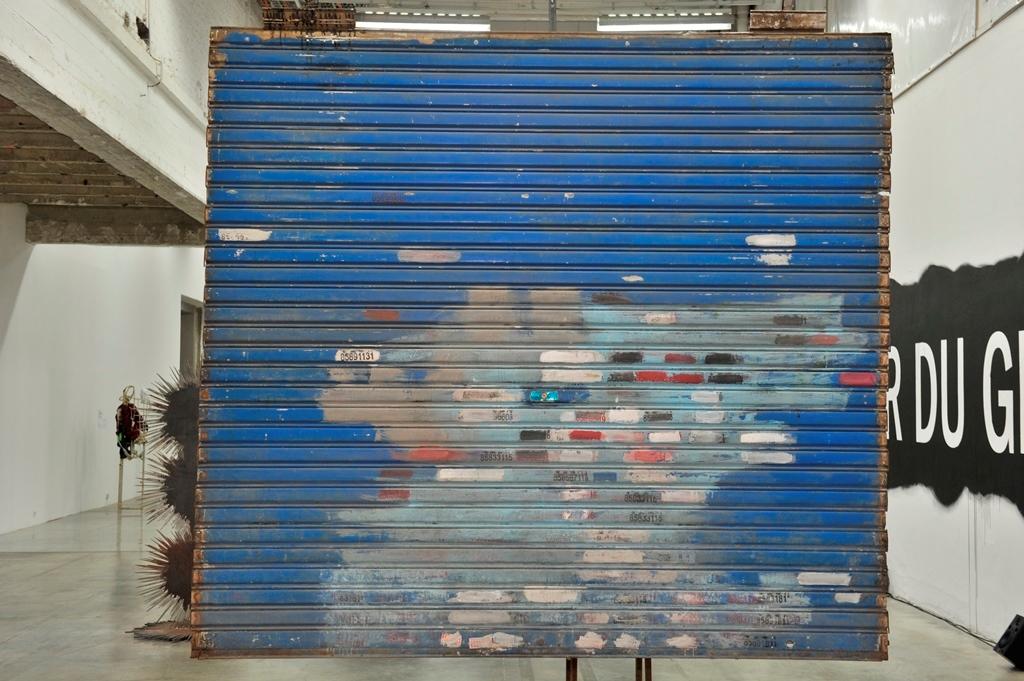 Inside china l int rieur du geant k11 art foundation for A l interieur inside