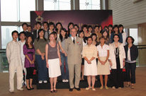 The General d'armée Jean-Pierre Kelche and the students who benefited from the joint program of exchanges between France and Hong Kong, sponsored by the Hong Kong Chapter and the French Consulate